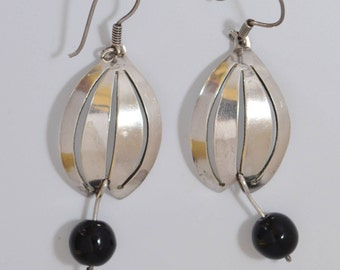 Vintage Mexican Sterling Silver Onyx Floral Cut Out Drop Dangle Pierced Earrings