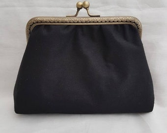 Little Black Kiss Clasp Clutch/Black Clutch Bag/Evening's Out/Special Occasions Clutch Bag/Prom Clutch