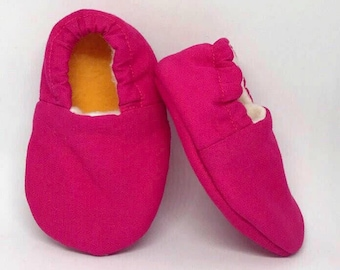 Soft Baby Shoes – Solid Pink