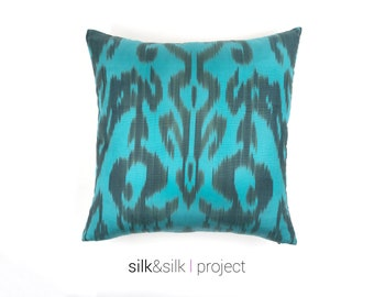 18x18 Turquoise Black Ikat Pillow Cover, Blue Pillow Cover, Ikat Pillow, Blue Turquoise Throw Pillow, Decorative Pillow, Home decor, Luxury