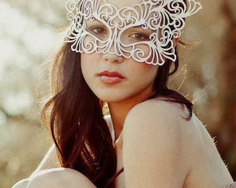 Rococo leather mask bridal veil
