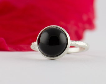 Black Onyx Ring  Ring - February Birthstone Ring - Black Cabochon Ring - Black Gold Ring - Stacking Ring - Round Black Ring
