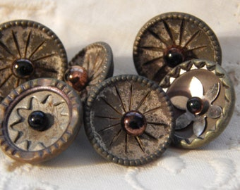 Pigeon Eye - Antique Buttons 6 with Three Different Designs