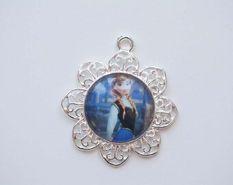 Anna Pendant 34mm for Chunky Necklace- Frozen Pendant