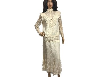 Vintage 80s Barbara Chobos For Michael Marcella 2 piece Lace Cream skirt set size 12