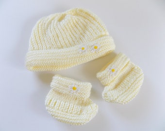 Knit Hat and Bootie Set, 6-12 Month Hat, Knit Yellow Hat, Daisy Booties, Baby Girl Accessories