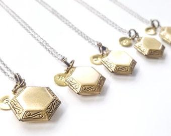 Custom Bridesmaid Locket Necklace -Personalized Locket Bridesmaid Necklace -Personalized Bridesmaid Necklace -Handstamped -Flowergirl locket
