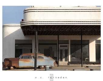 untitled, fine art color photographic print // abandoned deco gas station