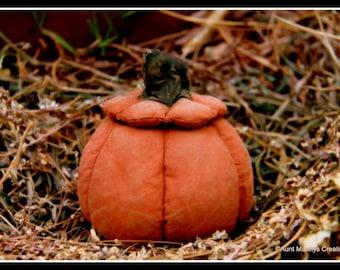 Primitive Hollow Pumpkin Ornie Halloween Candy Dish