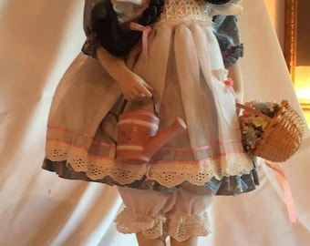 """Franklin Heirloom """"Mary, Quite Contrary"""" Porcelain Doll"""