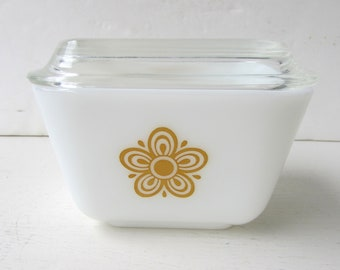 One Butterfly Gold Pyrex Refrigerator Dish  - Gold and White Butterfly Pattern - Fridgies - #501B - Pyrex - Gold and White