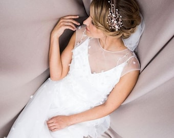 White hair crown Bridal headpiece Bridesmaids hair vine Bridal halo Weeding hair wreath Hair accessory Bridal hair wreath Boho headpiece