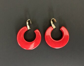 Bakelite Hoops, red bakelite, bakelite fashion, red hoop earrings, vintage earrings, classic red earrings, clip on hoops, statement earrings