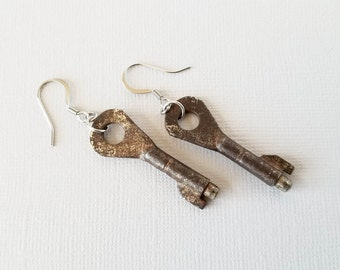 Rusty Old Skeleton Key Earrings, Small Barrel Key Earrings, Steampunk Earrings, Vintage Key, Antique Key, Key Jewelry, Steampunk Jewelry