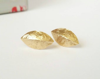 Leaf stud earrings, gold leaf studs, gold stud earrings, small gold leaf earrings, small stud earrings, gold earrings, cute earrings