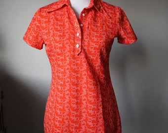 Women's Size Medium Vintage Top Hands Signs Polyester Cotton Blend Red 1970's