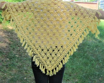 Outlander shawl Triangle shawl Yellow shawl Hand knit shawl Knitting shawl Spring shawl Palantin Lace knitted shawl Womens shawl