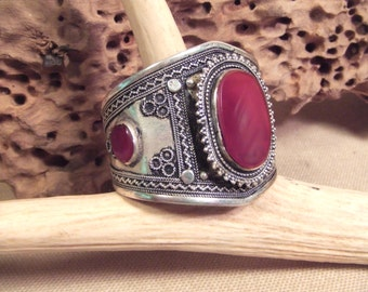 Tribal silver cuff bracelet -- antique jewelry -   Natural Carnelian -  FREE SHIPPING SALE