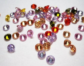 Cubic Zirconia - round, pointed back, 4mm, bulk 25 pack