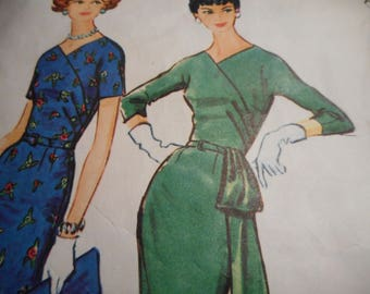 Vintage 1950's McCall's 5009 Dress Sewing Pattern Size 16.5, Bust 37