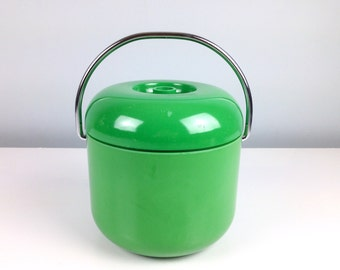 Mid Century Mod 1960s Apple Green Ice Bucket, Green Barware, Mod Bar, 1960s Bar, Mid Century Barware