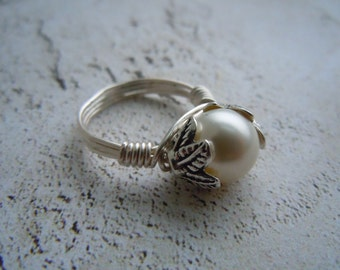 White Crystal Pearl Ring, Wire Wrapped Ring, White Swarovski Pearl, Statement Ring, Gift For Her, Bridesmaid Gift, June Birthstone Ring