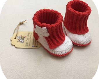 Crochet baby shoes,baby girl shoes, baby booties, slippers, gift for baby, gift idea, red booties, white star