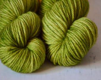 Hand dyed yarn - Bulky weight - Avocado