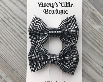 Pigtail hair clips- hair bows - pigtail hair accessories - baby gift - baby bows - black and white