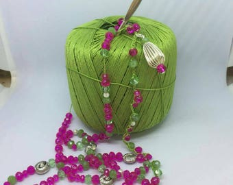 Green and dark pink necklace