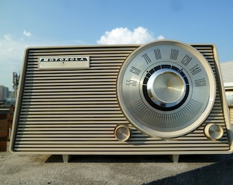 1963 Motorola Trapezoidal AM Tube Radio Excellent Working Condition - Beige with Gold Dials