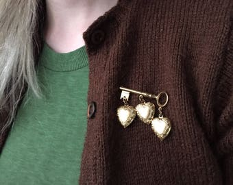 vintage 1950s key to my heart brooch