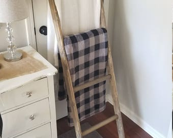Decorative Rustic Farmhouse Ladder