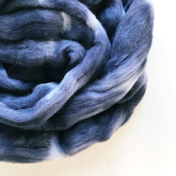 CHARCOAL hand dyed roving merino wool 4 oz.