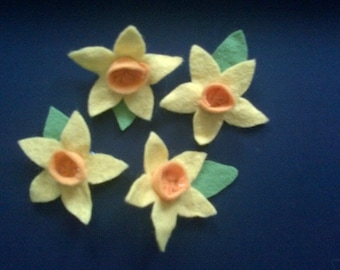 Felt daffodil brooch pin badge
