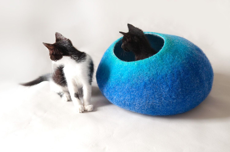 Cat Cave / Nap Cocoon / Cat Bed / House / Sleep Vessel / Cat