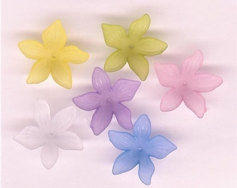 Assorted Lucite Daffodil Beads, 6 piece pack, 30mm Spring Flowers, Spring Lucite Flower, Hibiscus Flower, Lucite Flower Pack, Assorted