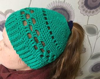 Messy bun hat pattern -crochet pattern -pdf pattern - Messy Bun beanie - bun hat pattern - bun beanie pattern -ponytail pattern
