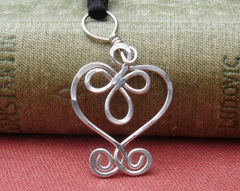 Little Celtic Heart Necklace, Small Silver Heart Pendant Celtic Necklace, Celtic Jewelry, Women, Celtic Knot Jewelry for Girls, Anniversary