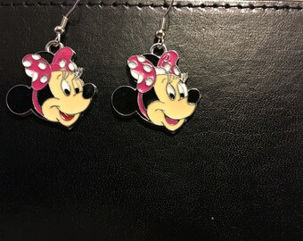 Minnie Mouse Earrings  A1