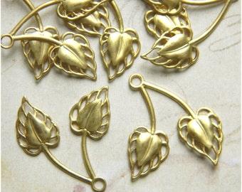 Raw Brass Leaf, Brass Leaves, Leaf Charm, Brass Stamping, Leaf Drop 26m x 32mm - 6 pcs. (r150)