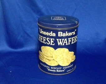 """Carrie Fisher Estate: Vintage Uneeda Bakers Cheese Wafers Tin National Biscuit Company NBC 6.5"""" High"""