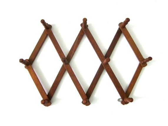 Vintage Wooden Accordian Peg Rack Coffee Mug or slip Hanger Wall Wood Hanging Organizer Modern Ranch Home Organizing Decor