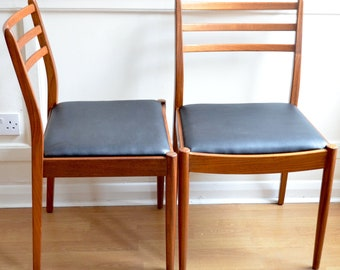 Set of 4 Vintage G Plan teak chairs. Delivery. Reupholstered. Danish / modern / midcentury style.