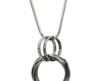 Fashion interlocking circle necklace