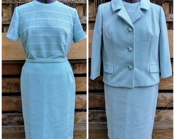 Vintage 60's Eaton's Turquoise Blue White and Gray 3 Piece Jackie Kennedy Style Suit Textured Knit Polyester Fully Lined Larger Size