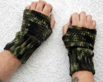 Camouflage mens fingerless gloves, arm warmers, texting gloves, crochet gloves, wrist warmers, hand warmer, mittens, warm gloves, mens gifts