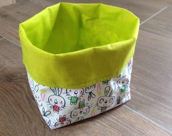 Tidy green rabbit pattern