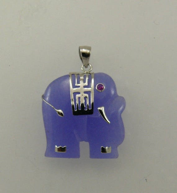 Jade Lavender 22.9mm x 23.5mm Elephant Pendant & Ruby eyes with Sterling Silver