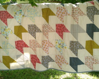 Kiwi and Strawberries Arrow Quilt